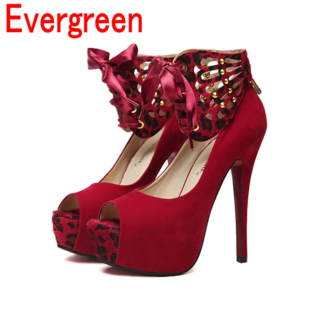 Shop surprisingly low prices on the most popular women's fashion sneakers online, including Converse, Adidas, Keds, Vans, and more. Cute Sneakers for Women Street chic is the name of the game when you shop Shoe Carnival's selection of women's sneakers.