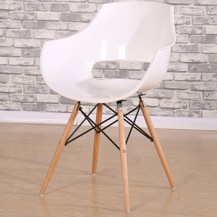 Modern wooden legs plastic cafe chair price