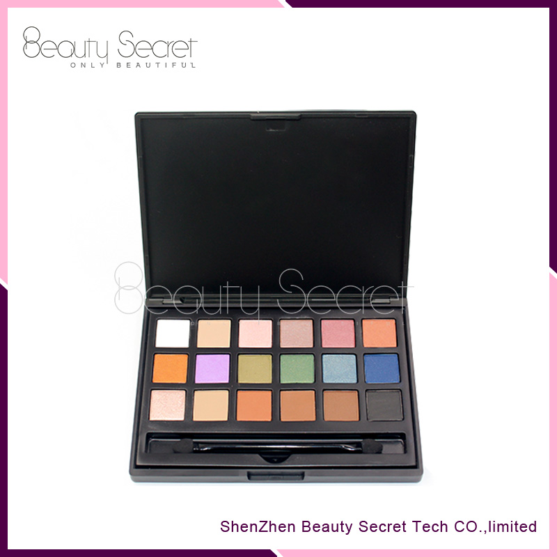 18 color No logo nude Smoky naked eyeshadow palette with brush