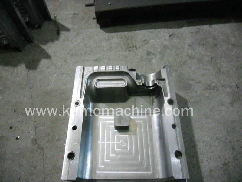 5 L PE engine Oil Tank with Handle Extrusion Blowing Bottle Mould