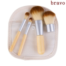 Hot Selling Nieuwe 4 STKS Up Kwasten Set met tas Bamboe <span class=keywords><strong>Poeder</strong></span> Wenkbrauw Blush Body Kabuki Make Up Borstels