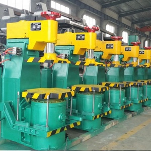 China High Quality Foundry Jolt Squeeze Green Sand Casting Iron Moulding Machine