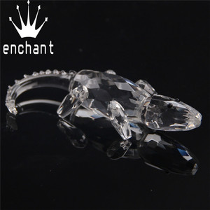 Wholesale crystal crocodile for office ornaments, glass crocodile