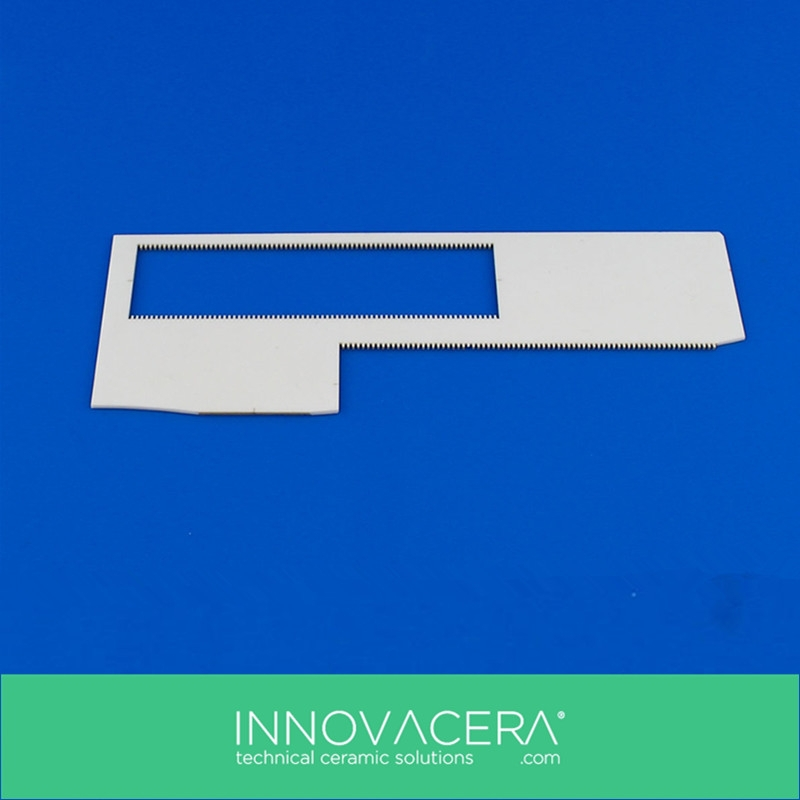 Good Chemical Inertness Alumina Ceramic Cutting Blades / INNOVACERA