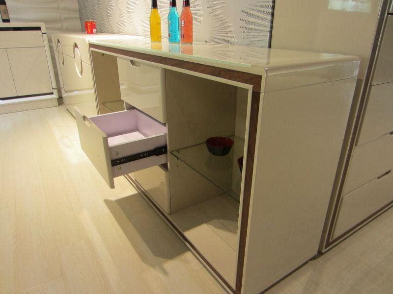 Credenza Con Vetro Moderna : Moderno in vetro cucina credenza con noci e beige lucido buy