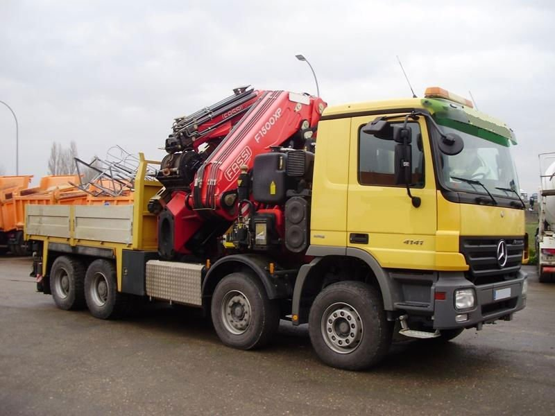 Truck Mounted Crane - Buy Used Truck Mounted Crane Product on ...