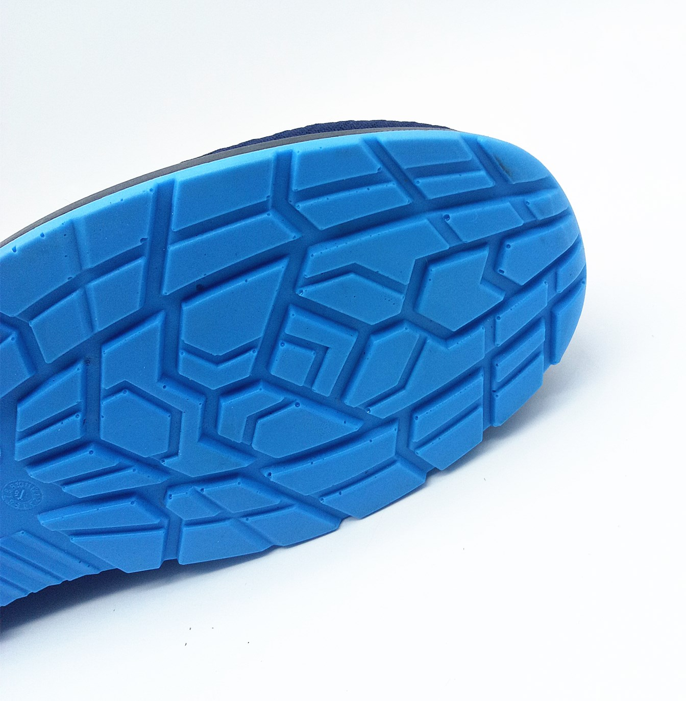 Anti puncture anti]-pressure safety shoes with steel toe and steel plate