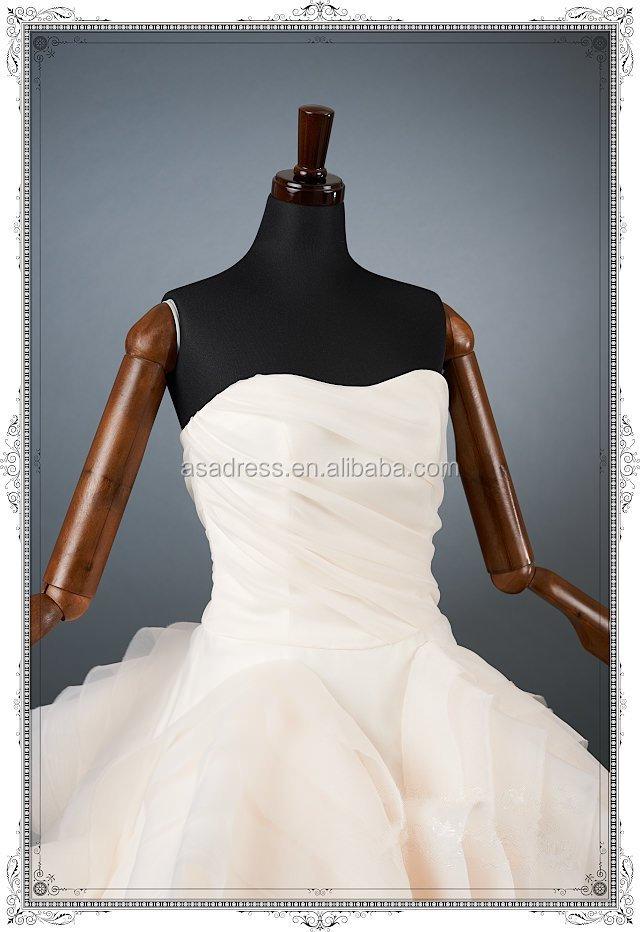 Licht Roze Jurk Bruiloft Kopen Gegolfde Organza Trouwjurk Bruids Jurk Uit China Ingewikkelde Gelaagde Bruids Toga Yasa 5078 Buy Trouwjurk Te