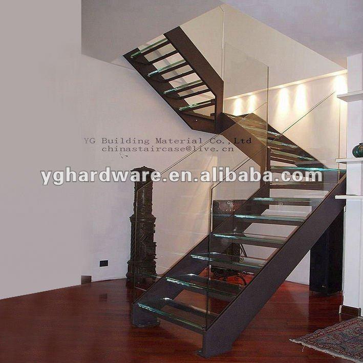 escalera de acero con doble larguero house