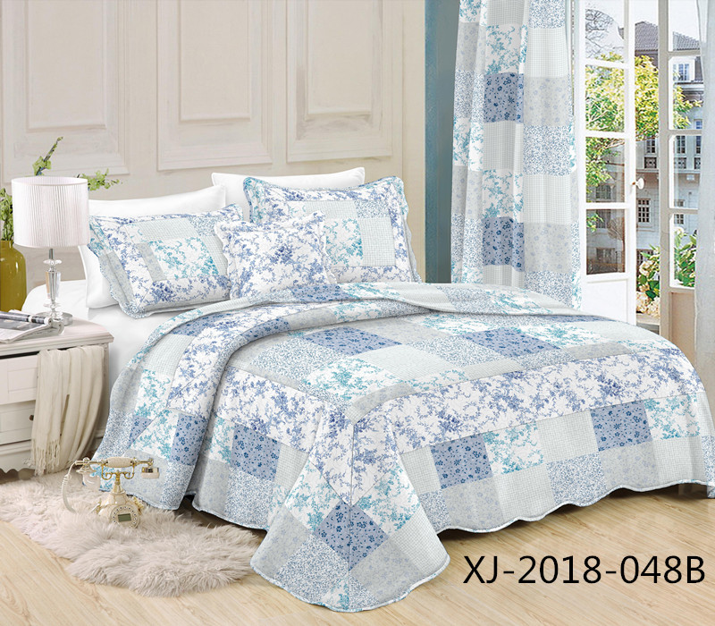 Printed microfiber bed sheet quilts on sales/patchwork quilts with cushion and pillow