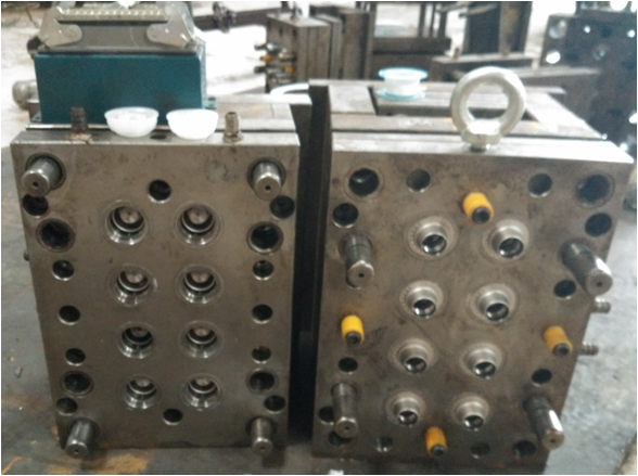 factory design 8/12/24 cavity plastic Edible Oil Cap_ screw cap mould/mold