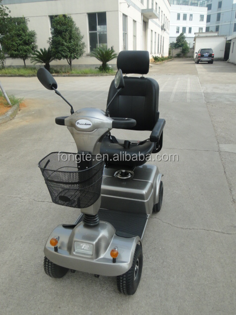 Middle size of handicapped Mobility scooter pride mobility scooter