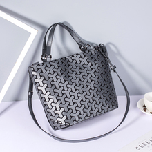 2019 숙 녀 Luminous Geometric shoulder bag women handbags 체인 가죽 디자이너 손 bags
