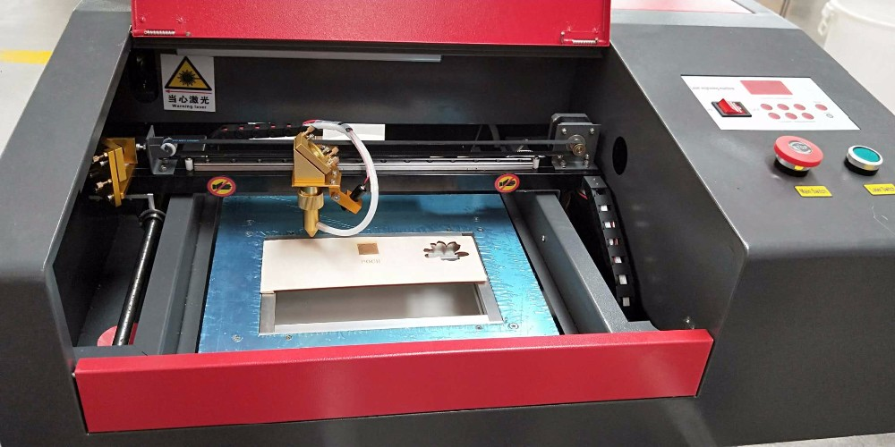 Christmas new year promotion cheap co2 small janes laser engraving cutting machine 4040 3020