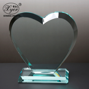 Fashion New Design Wholesale Cheap Custom Transparent heart shaped Crystal Trophies And Awards