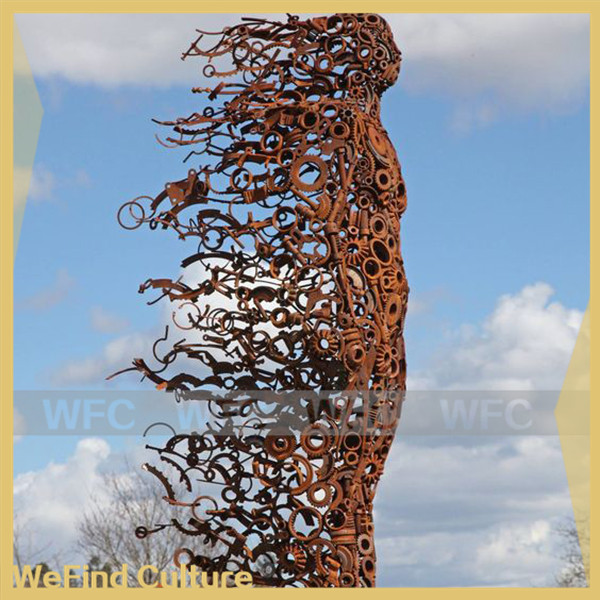 Large Outdoor Man Against the Wind Rusty Iron Metal Art Sculpture