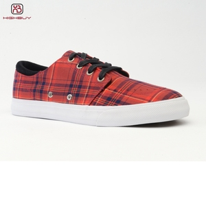Red grip casual shoes men sneakers OEM ODM vulcanized rubber sole breathable canvas shoes