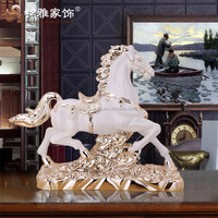 Customized resin crafts indoor decorative statue antique style electroplated horse ornament