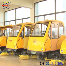 Totally enclosed electric road sweeper machine for universal sweeping