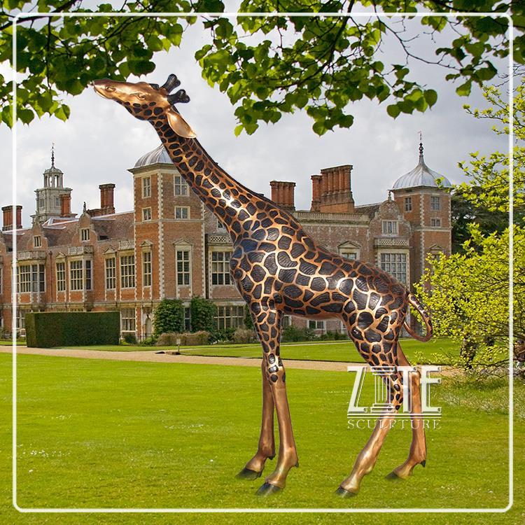 Outdoor Garden Ornament Metal Craft Bronze Giraffe Statue