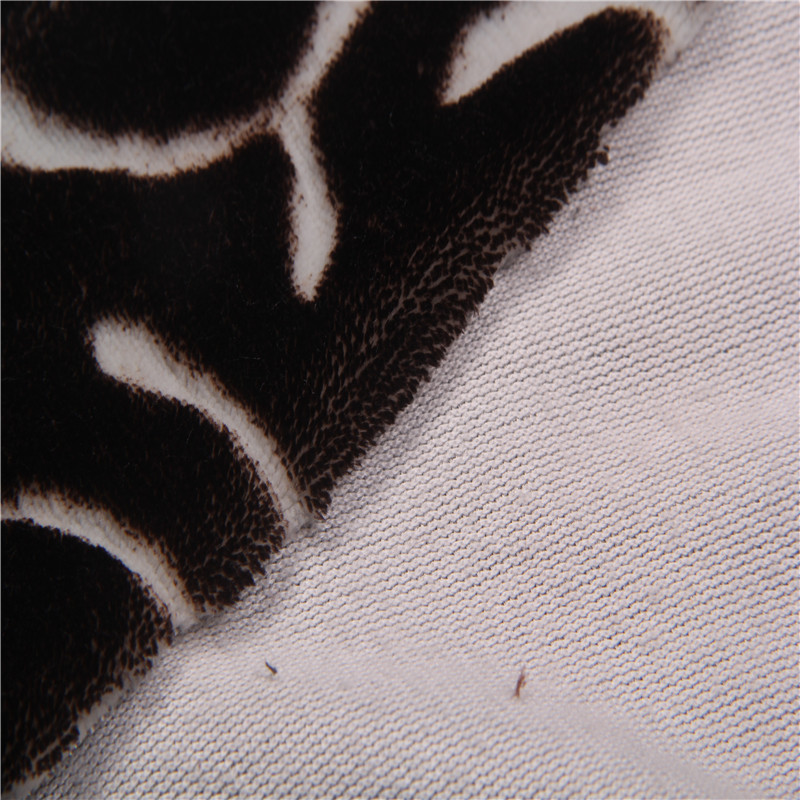 Black color 100% polyester material single-side flannel quilting fabric online