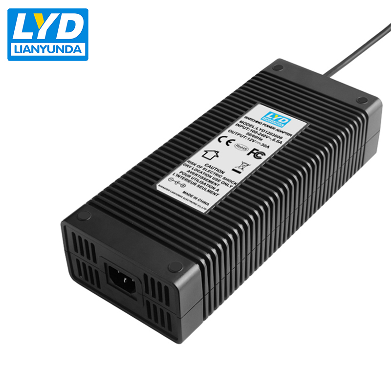 C14 Desktop typ 12 v 30a 4 pin Stecker power adapter