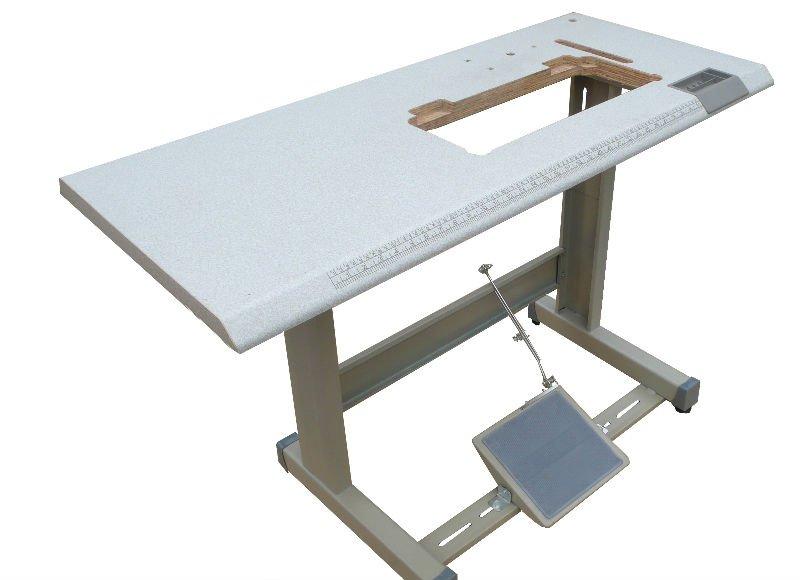 Macchine per cucire industriali tavolo e stand macchina da for Macchine per cucire portatili