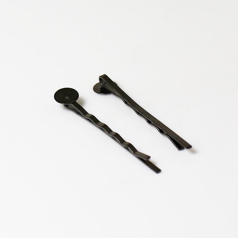 round stone hair clips