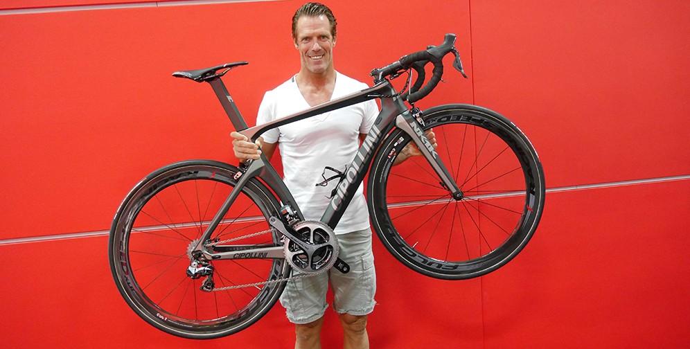 aa424be3277 4Z8A5655-e1442234501424 cipollini-nk1k-white-556 Cipollini-with-bike-996 ...