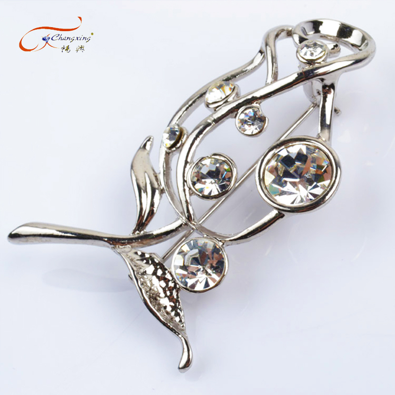 Hot selling fashion crystal silver tie brooch wholesale