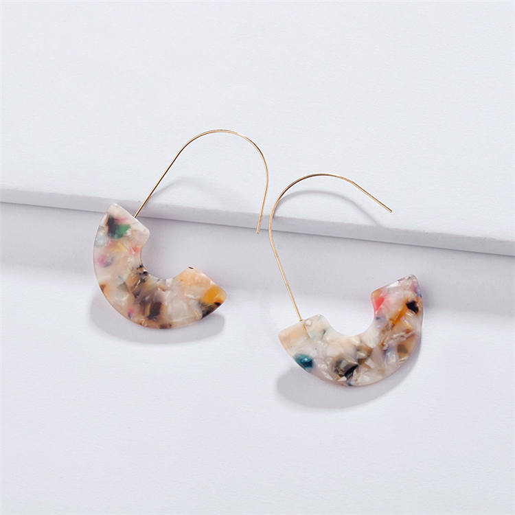 2020 New Arrival Tortoiseshell Leopard Grain Multi Color Big Hook Acrylic Earrings Special Design Semicircle Resin Drop Earring