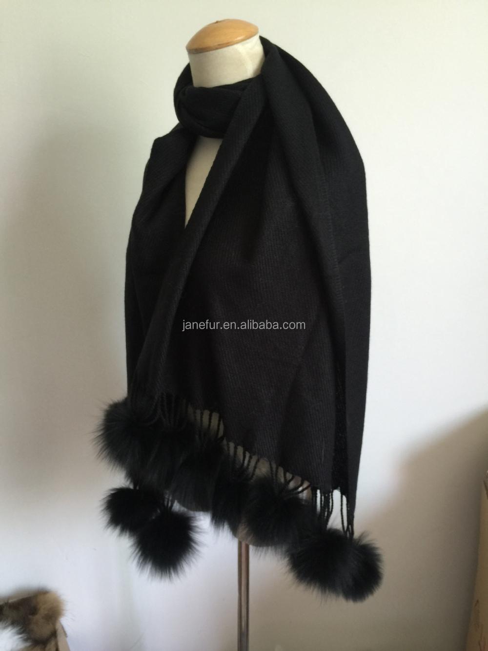 100% poncho acrylique écharpe avec noir grand pompon en fourrure de renard 9548143d9de