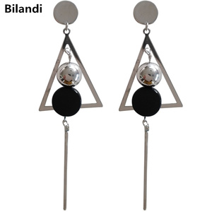 Fashion Design Round Disc With Triangle Gold Ball Black Acrylic Long Stick Drop Earrings For Woman