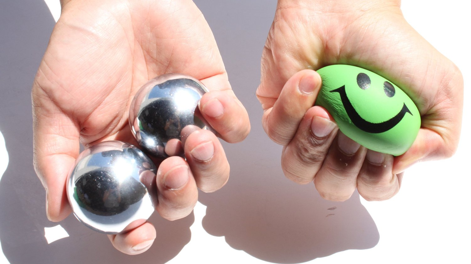 Ball Squeezing And Fingering Muscle Dude