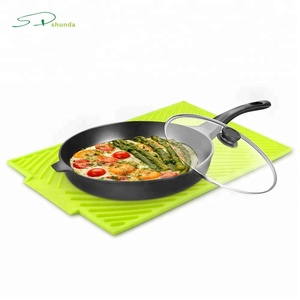 2018 Trending products Manufacturer Custom Kitchen Dishwasher Safe Heat-Resistant Roll Up Dish Silicone Drying Mat