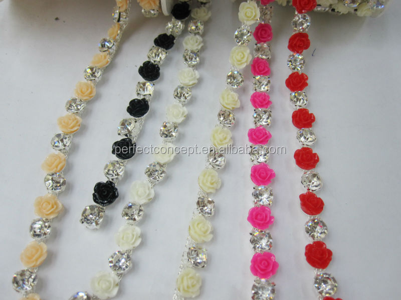 Hot selling glass stone resin flower ston trimming
