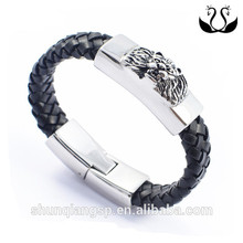 Exaggeration of foreign trade act the role ofing is tasted Men in black leather bracelet domineering lion leather bracelet