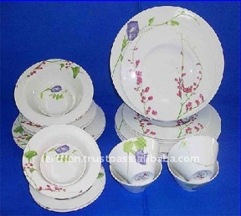 Best Round Red Flower Royal Fine Bone China Dinnerware Brands : best bone china dinnerware - pezcame.com