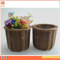 Round Country Pastoral Style Handmade Wicker Willow Storage Basket Hamper Small