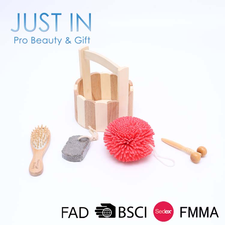 4PCS Bath Sets And Accessories Include Bath Sponge Hair Brush Body Brush Pumice Stone Foot File Wooden Massage