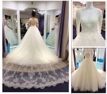 Custom Made 2016 New Arrival Long Sleeve White 3D Flower Puffy Delicate Crystal Bridal Wedding Gown