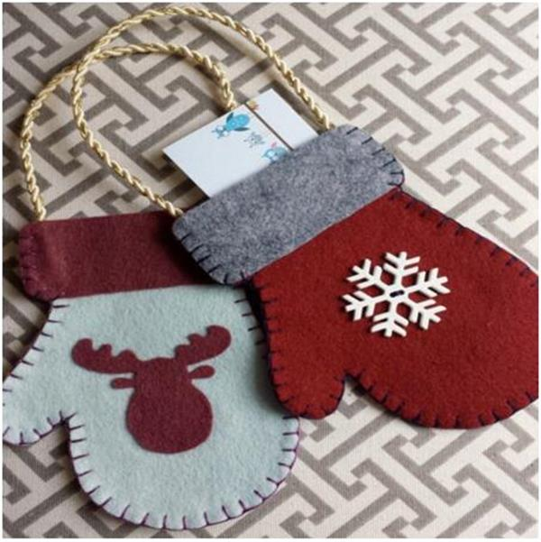 2016 Cute Felt christmas mitten greeting card bag ,Xmas tree ornament with hanging