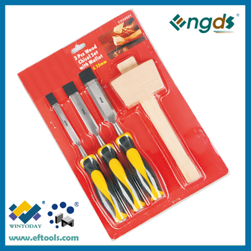 Cheap carpentry mortiser chisels set with a wooden mallet