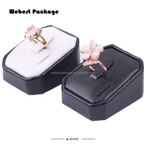 Webest fashion elegant fine black leather jewelry display wooden ring stands ring display holder