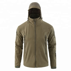 Windproof camo and plain coloured splashing proof clothing add fleece men jackets with hood