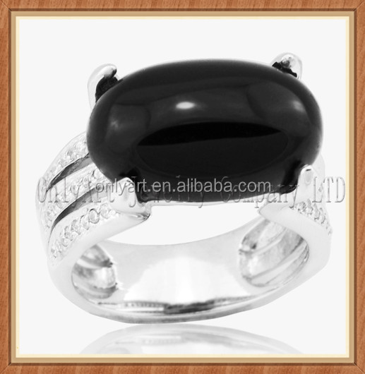High quality Rhodium plated 925 Sterling Silver ring with Black ellipse Onyx and AAA zircon
