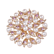 Latest Trendy Design pearl chair sash brooch