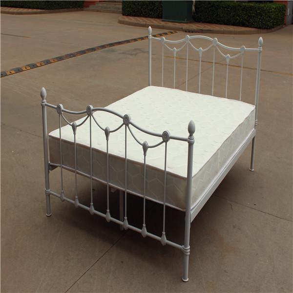 De metal precioso cama queen size dimensiones camas de for Cama queen dimensiones