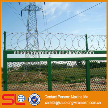 Factory Galvanized Decorative Barbed Wire Roll Price Fence ...