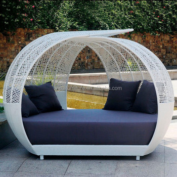 Outdoor Round Bed Iron Frame Rattan Sofa Bed Beach Sofa Bed Yps055